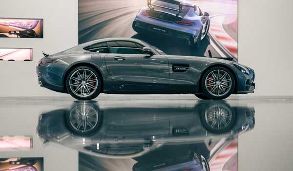 Luxury car at Hedin Bil